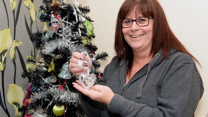 Британка создает игрушки с прахом умерших