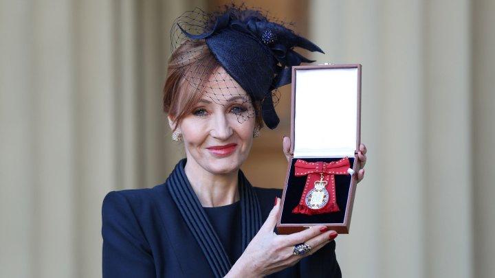 Джоан Роулинг наградили орденом Кавалеров почёта