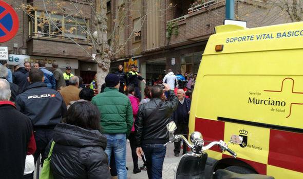 На рождественской ярмарке в Испании прогремел взрыв: фото