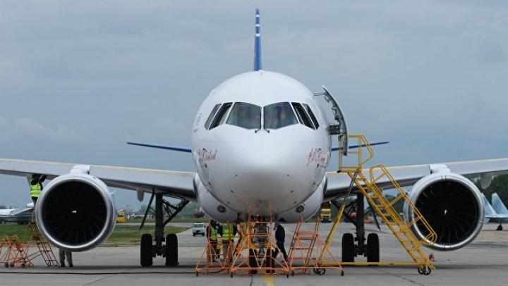 Самолет из Москвы совершил вынужденную посадку в Казани