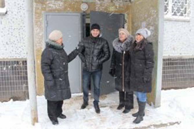 06-12-2017: Комиссия проверила проведение капремонта в Тольятти