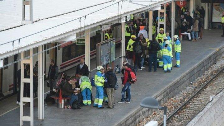 В Испании поезд врезался в заграждение: 45 человек пострадали