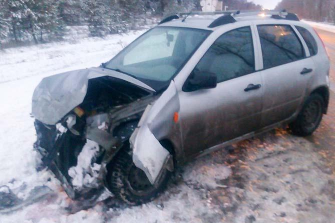 04-12-2017: В ДТП пострадали три человека