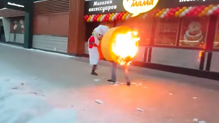Драка с огоньком: В Новосибирске один промоутер поджёг другого