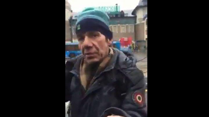 Видео: в Москве благодаря 100 рублям произошло «чудесное исцеление» бездомного