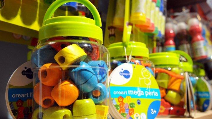 В преддверии новогодних праздников родители ищут в подарок детям развивающие игрушки