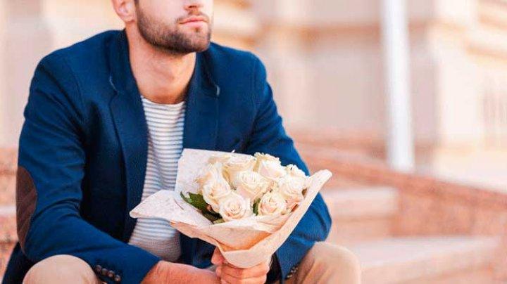 Ухажер залез в окно к возлюбленной, оставил цветы и пошел под суд