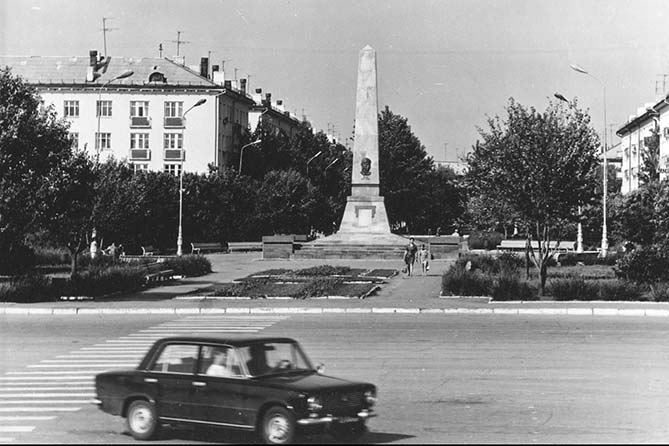 Несколько старых фотографий Тольятти