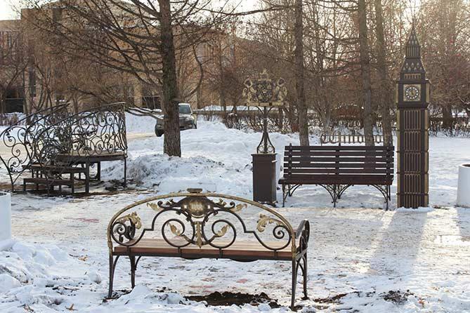 Сквер преобразился: Биг-Бен, романтичная беседка, мост желаний, оригинальные скамейки