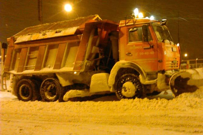 06-12-2017: Уборка снега на дорогах Тольятти