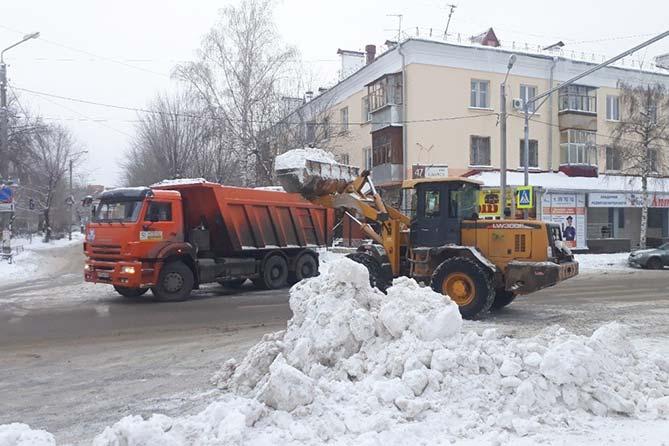 25-12-2017: Уборка снега на магистралях Тольятти