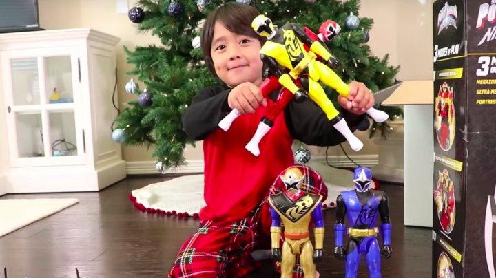 Шестилетний мальчик заработал $11 млн за год, снимая обзоры на игрушки