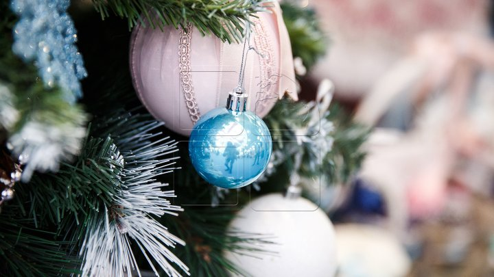 Актуальные модные тенденции в украшении новогодней елки