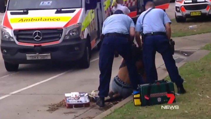 В Австралии участники пляжной рождественской вечеринки закидали полицию бутылками
