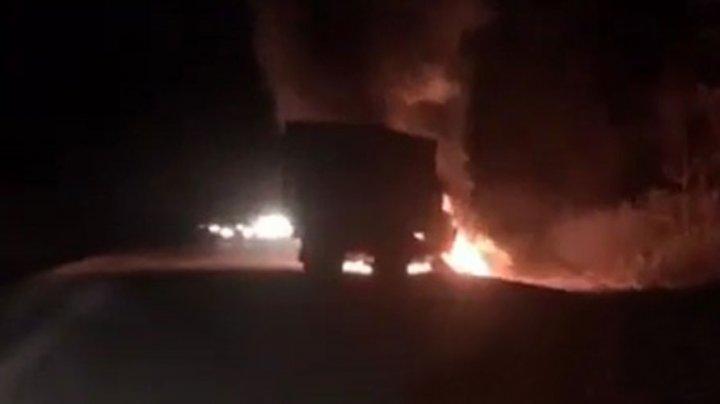 Грузовик и микроавтобус столкнулись в Якутии: пять погибших