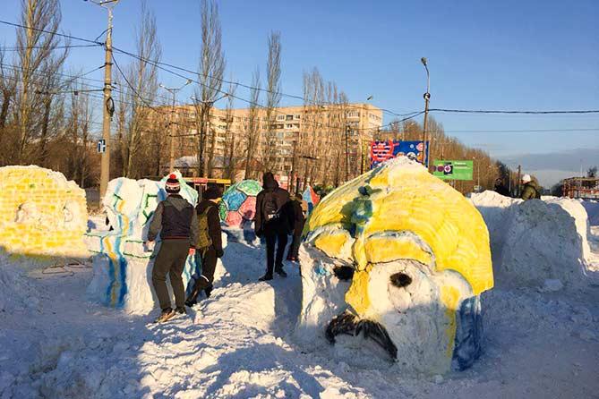 20-12-2017: Новогодний снежный городок в Тольятти