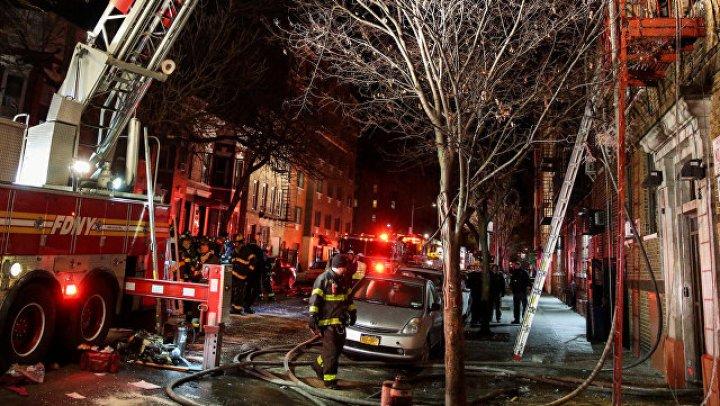 При пожаре в Бронксе пострадали 16 человек