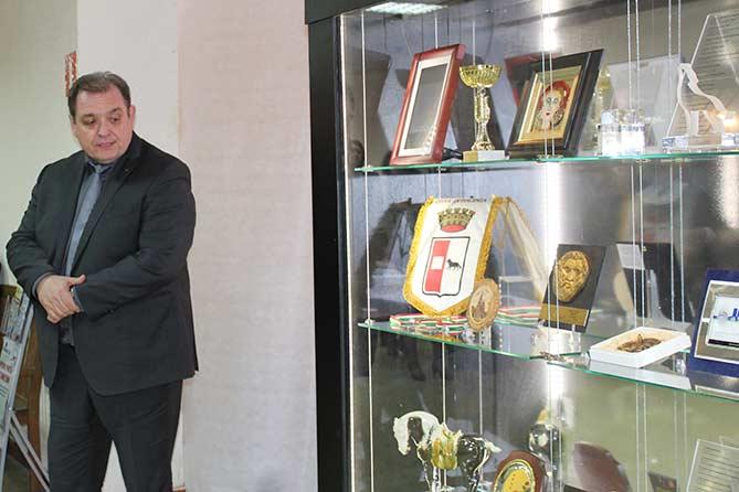 В Тольяттинском краеведческом музее открылась выставка «Подарки городу»