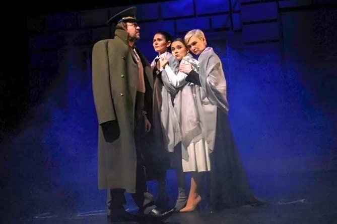 Театр «Дилижанс»: Состоялся премьерный показ спектакля «Три сестры»