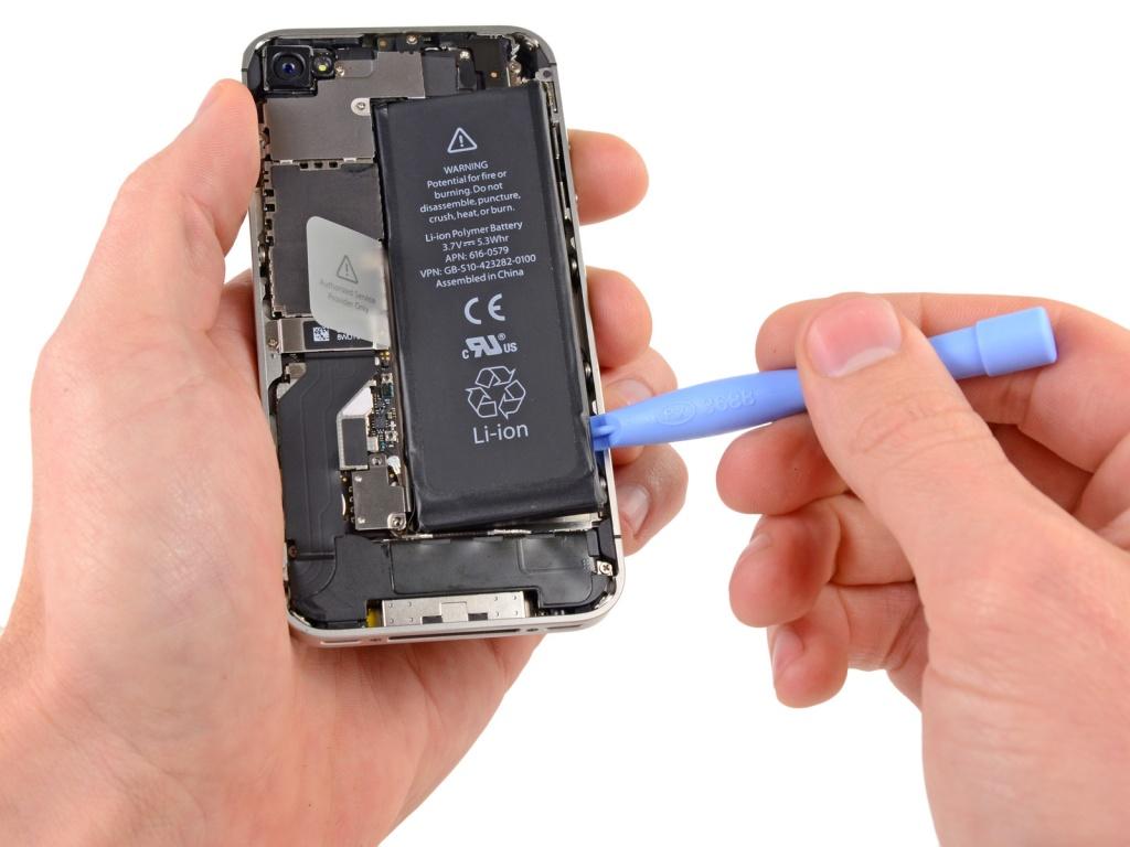 Ремонт Apple iPhone с выездом мастера в Киеве