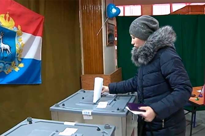 После обработки более 50 % протоколов в Самарской области