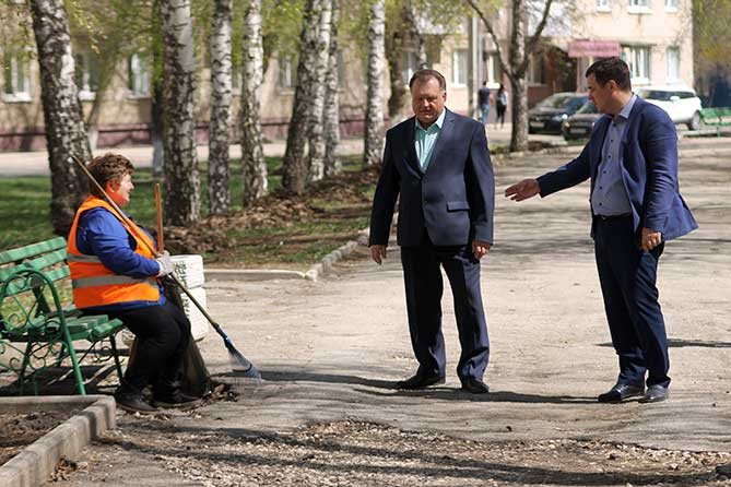 Заместитель главы города проинспектировал улицы