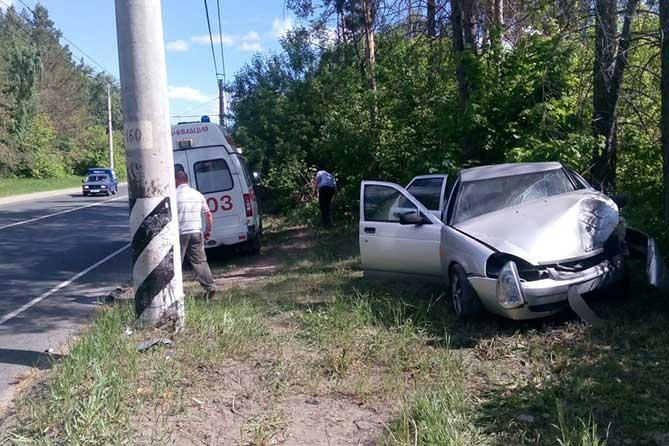 Водитель не справилась с рулевым управлением на улице Родины