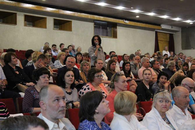 Жители Тольятти пришли и спросили