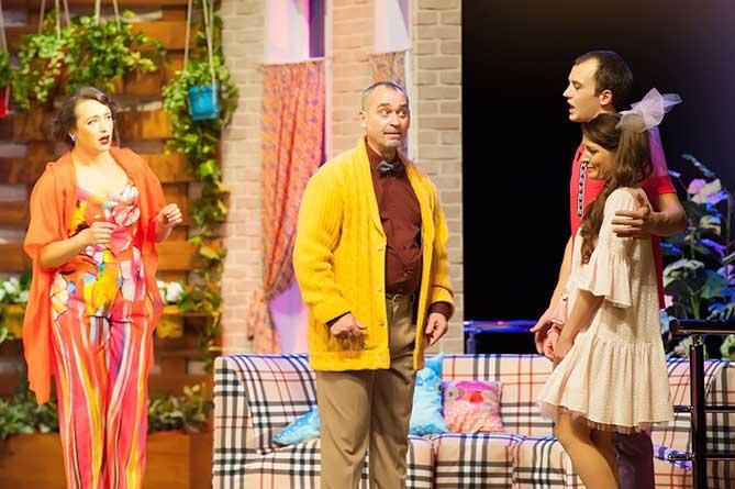 Театр «Колесо»: Спектакль «Семейка Фонтанж» — победитель Международного фестиваля