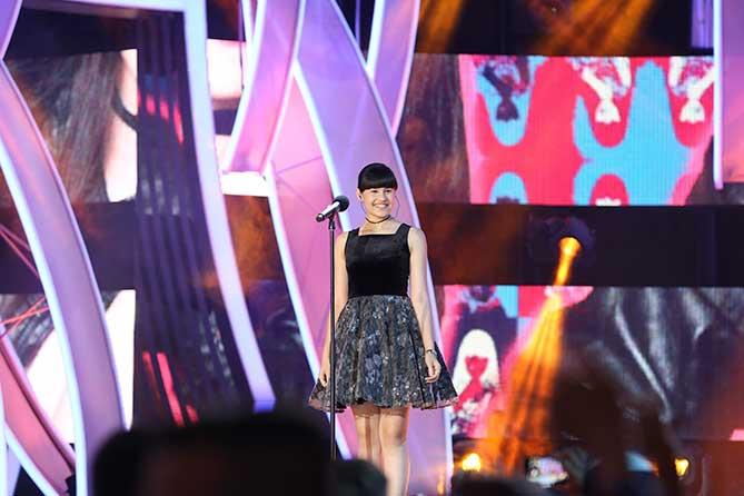 диана закончила петь на конкурсе