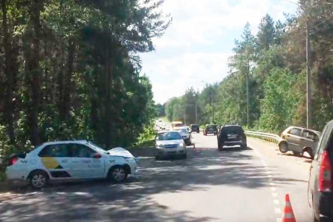 ДТП на Комсомольском шоссе: Ребенок и трое взрослых госпитализированы