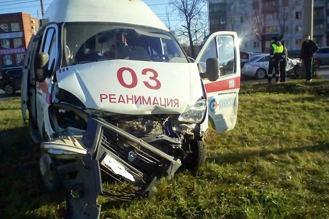 В ДТП пострадали медработники «скорой помощи»
