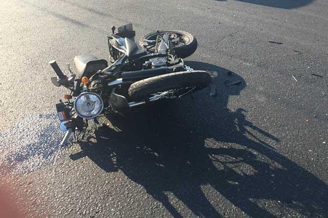 ДТП 27 июня 2018 года мотоцикл лежит на дороге