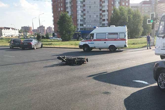 Молодые супруги пострадали в аварии на Южном шоссе
