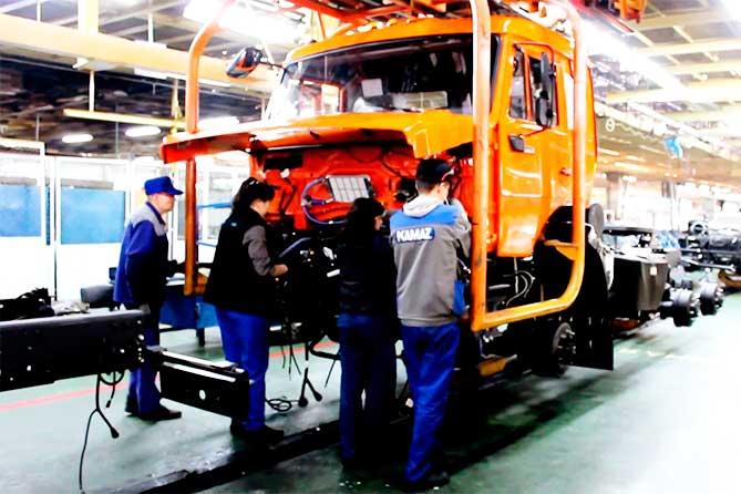 Подписано соглашение с КАМАЗОМ: снижение зависимости экономики Тольятти от АВТОВАЗа
