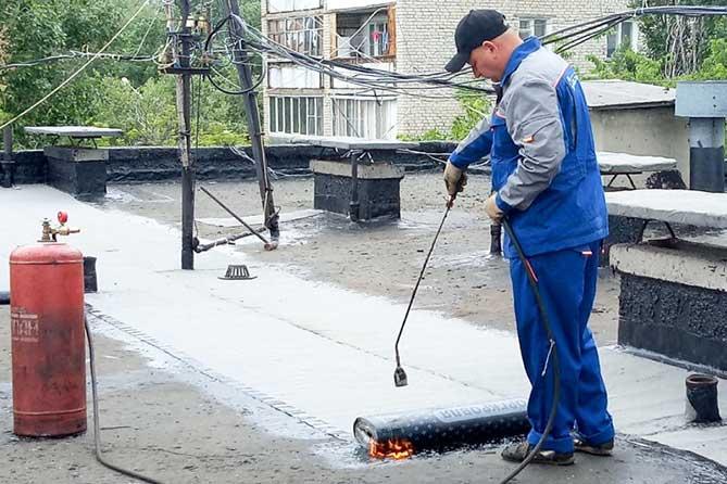В Тольятти капремонт кровли проводится по новой технологии