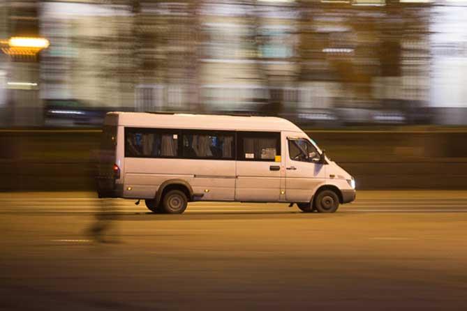 Внимание сотрудников ГАИ привлек пассажирский автобус