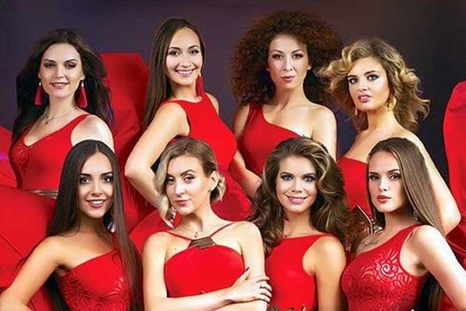 сопрано девушки в красных платьях