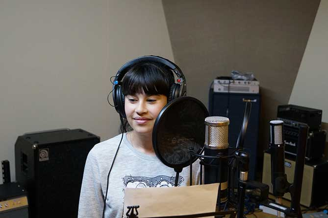Диана Анкудинова с новым хитом «Vibes»: Хочется слушать снова и снова