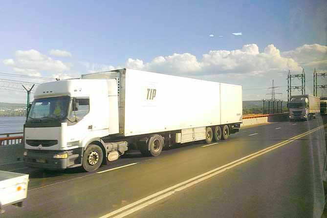 Ограничение движения большегрузов на М-5: Только рекомендация