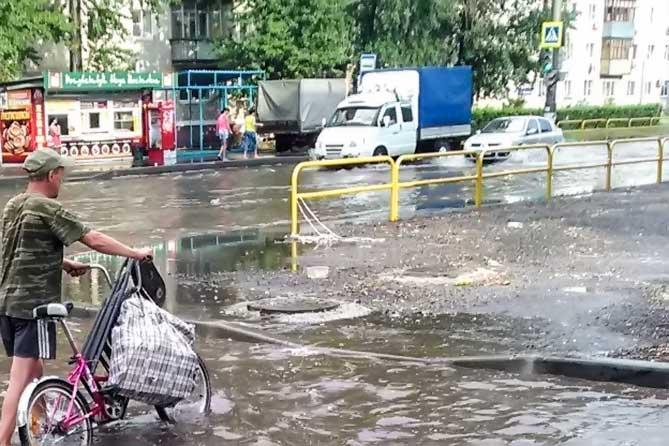 На улице Ленина ведется реконструкция системы ливневой канализации