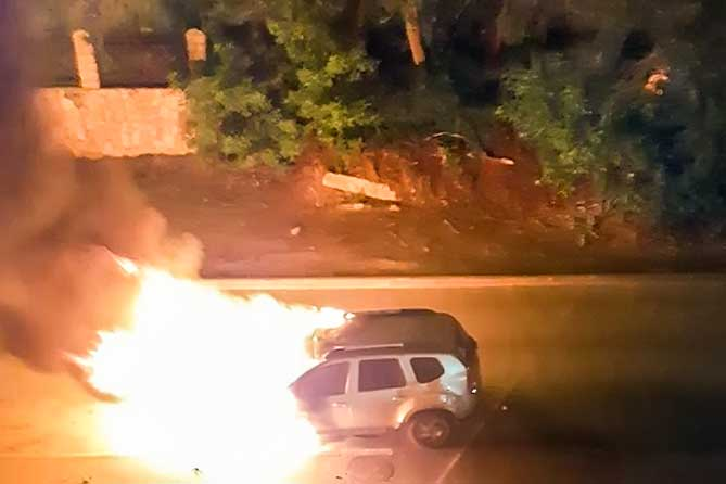 В Тольятти ночью сгорел автомобиль: Владелец спал дома