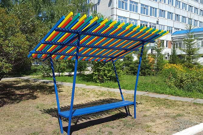 Волонтеры благоустроили территорию детского корпуса Медгородка