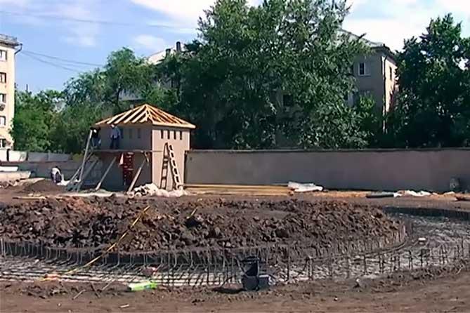 Как продвигается строительство сквера «Маяк»