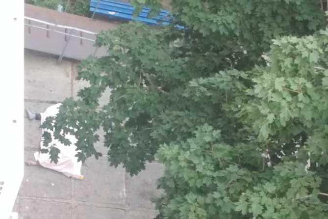 Утром в Тольятти при падении с высоты погибли два человека