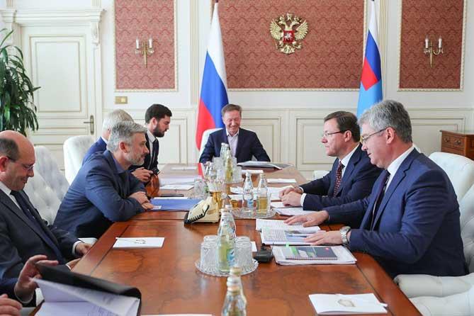 Мост через Волгу и дорога до Ягодного: Дмитрий Азаров в Москве обсудил реализацию масштабных проектов