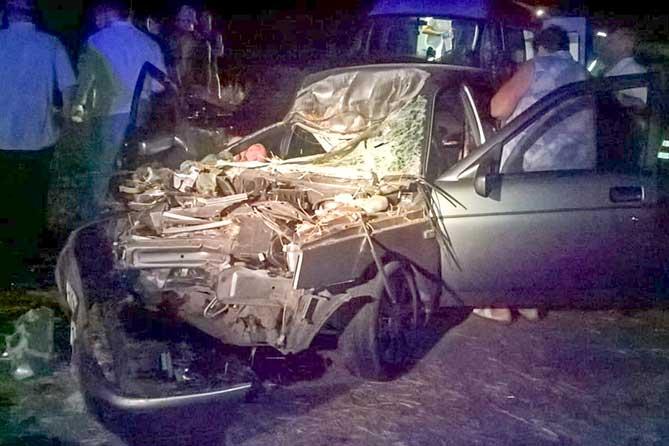 Столкновение с трактором: Мужчина и женщина госпитализированы