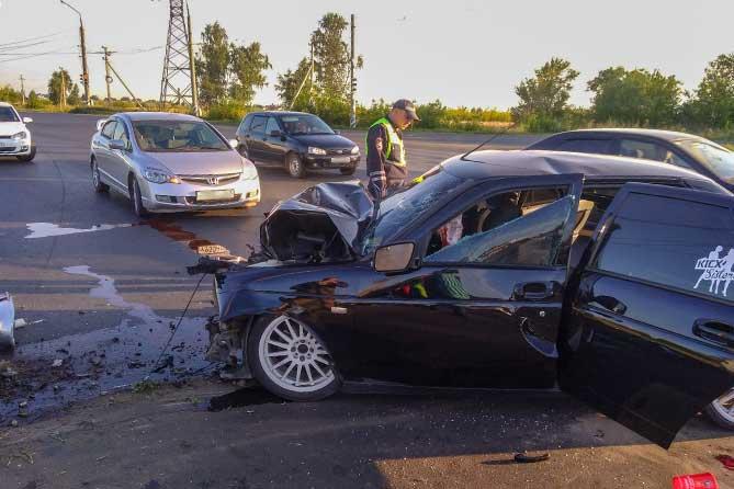 ДТП на Южном шоссе: Водитель допустил наезд на световую опору