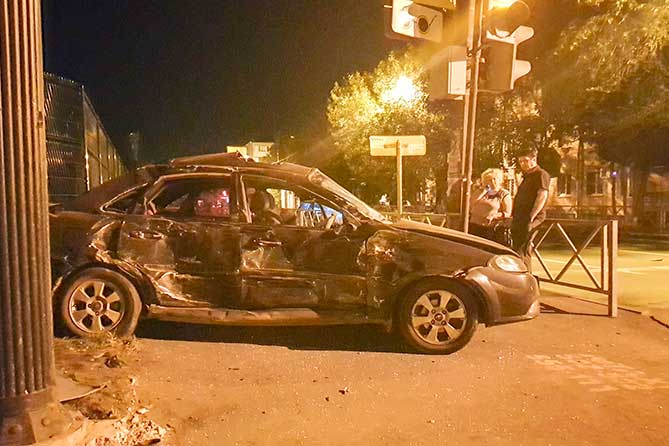 В ночном ДТП пострадали пять человек
