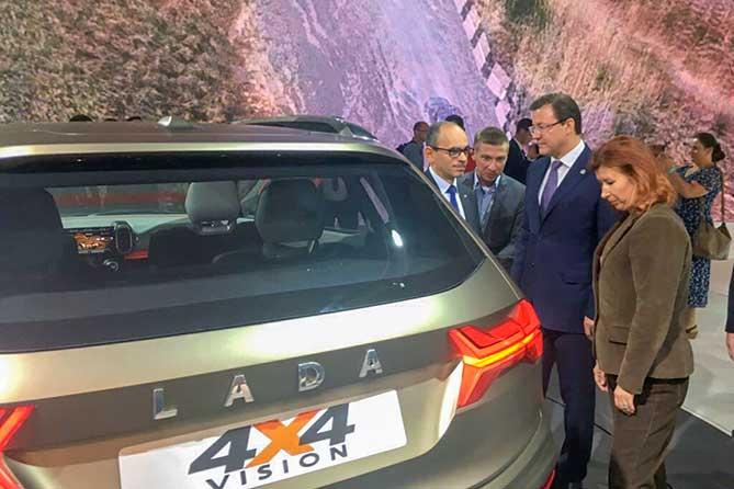 на московском автосалоне руководитель автоваза